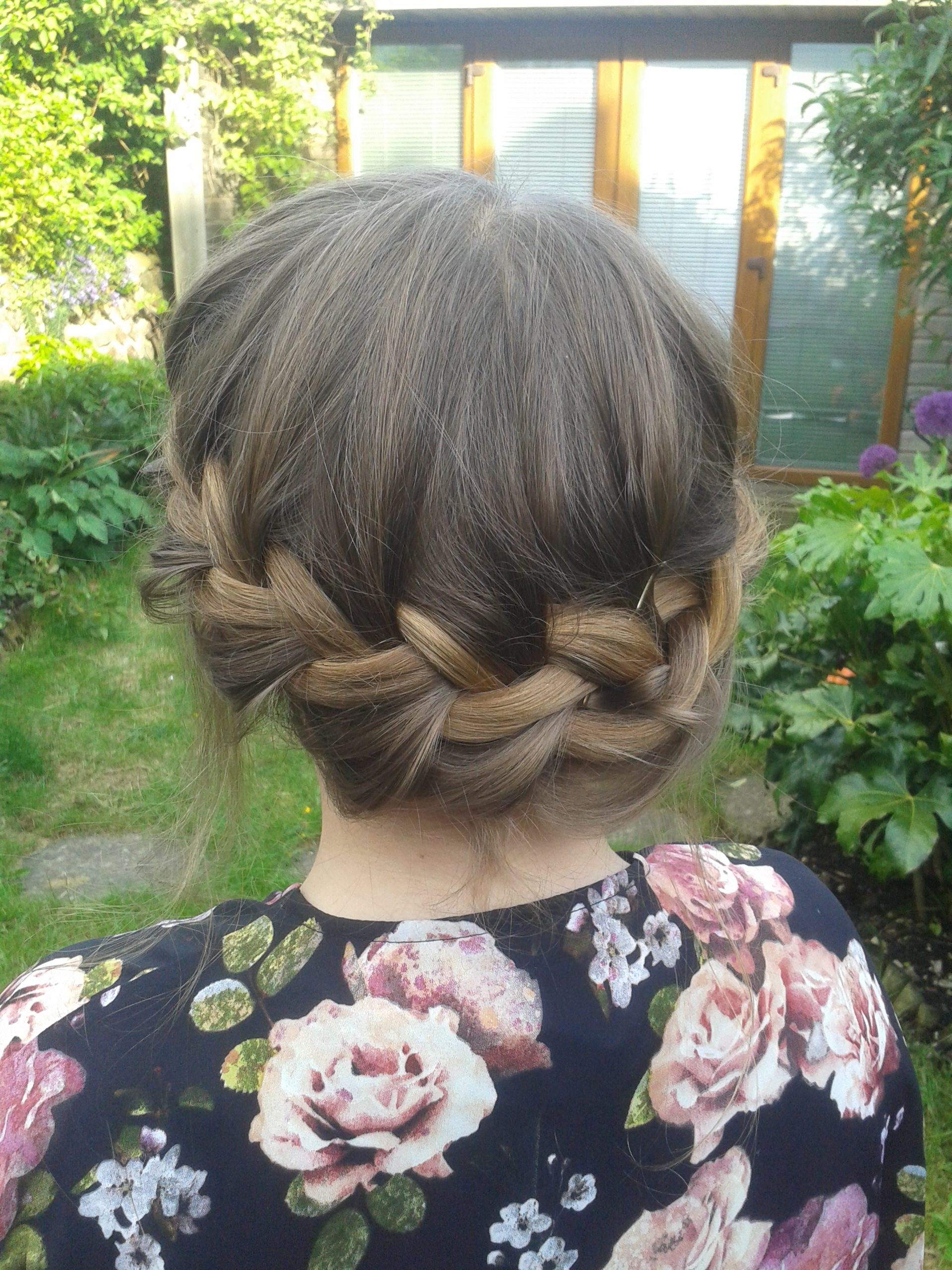 Bridesmaid dutch braid