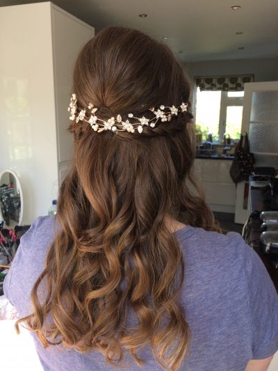 half up half down wave wedding
